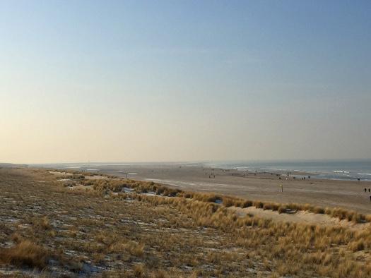 Strand von Kijkduin mit Zeewering