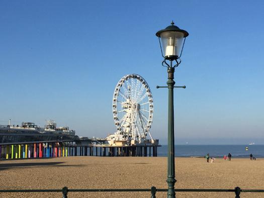 Scheveningen Strand - Riesenrad über dem Meer