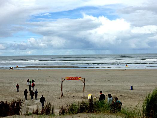 Badezone abgesteckt - Am Strand von Buren, Ameland
