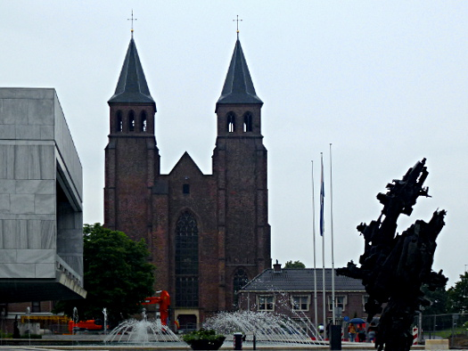Arnheim: Moderne Stadt