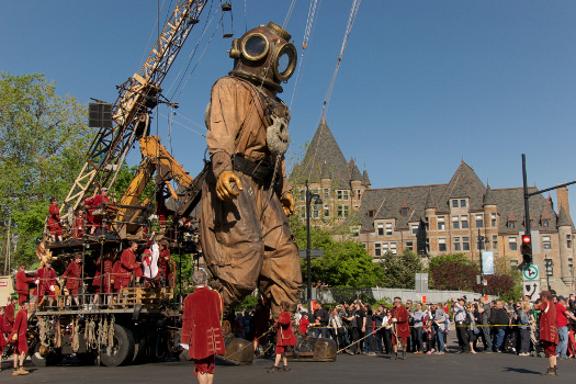 The Giants of Royal de Luxe © Serge koutchinsky, project van Leeuwarden-Friesland 2018
