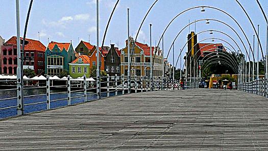 Königin-Emma-Brücke in Willemstad
