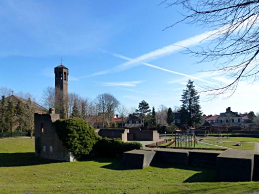 Spielplatz in der Burgruine Heusden