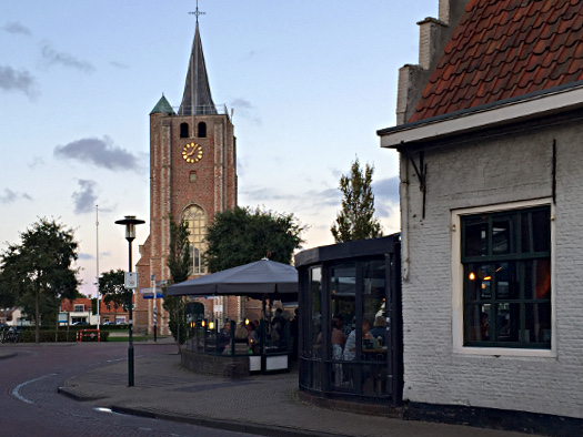 Kirche und das Wapen van Zeeland in Renesse