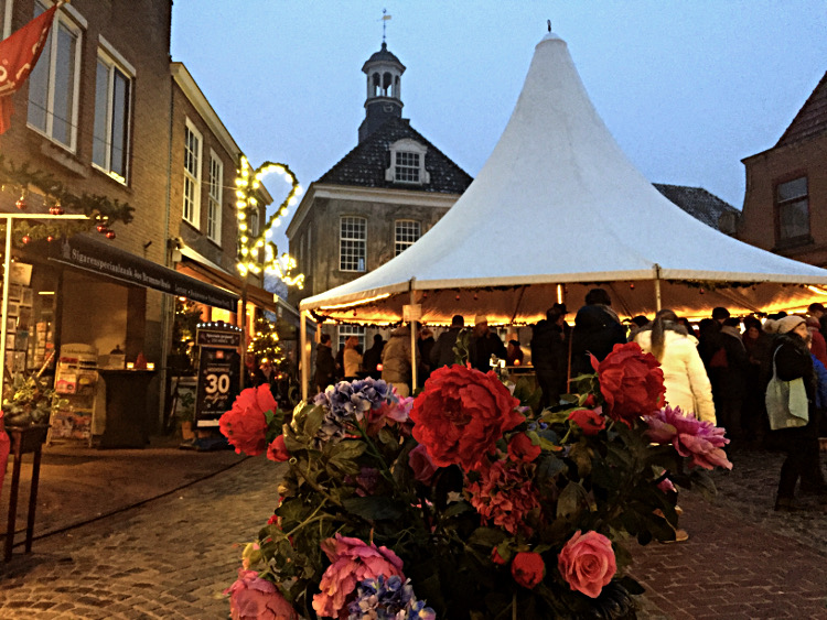 Glühweinzelt am Markt Ootmarsum