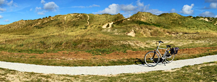 Fahrrad in den Dünen auf Vlieland