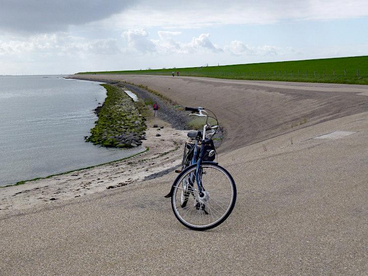 Deich am Wattenmeer