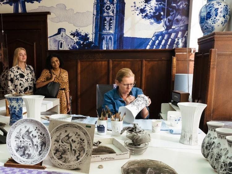 Porzellanmeisterin in Delft